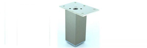 Möbelfuß Formrohr 40x40 mm / mittig